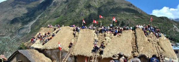 Viajes al Perú : MARCAPATA una iglesia camino a la selva
