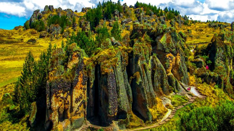 Lugares turisticos del Perú: Bosque de piedra de Cumbemayo en Cajamarca